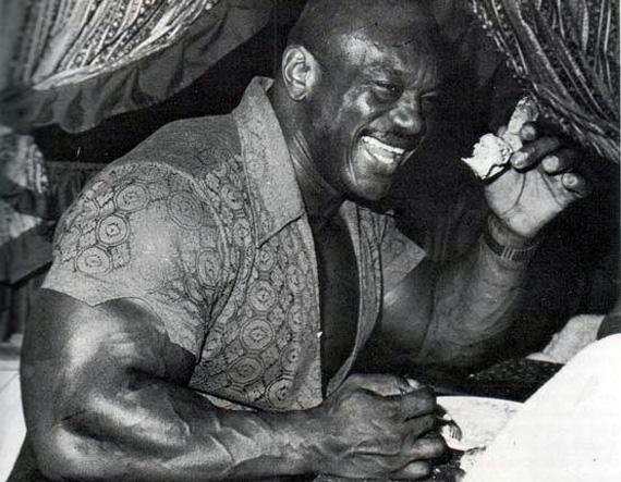 sergio-bodybuilder-eating