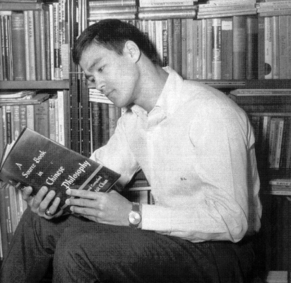 thumbs_bruce-lee-reading-book2