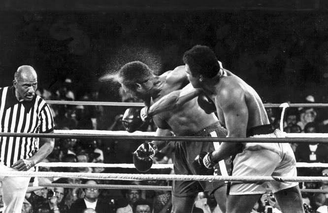 BoxingMuhammadAlivsGeorgeForeman-17